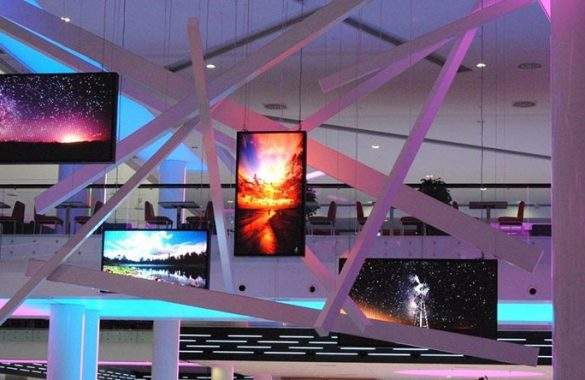 Shopping Mall LED Transparent Screen Selection Reference Analysis